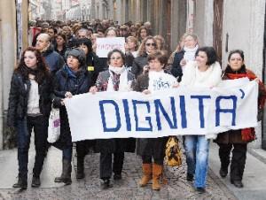 Dignità alle donne: se non ora, quando?