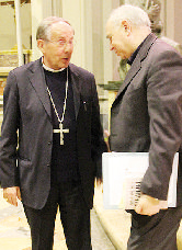 Don Sciortino con il vescovo Giacomo Lanzetti