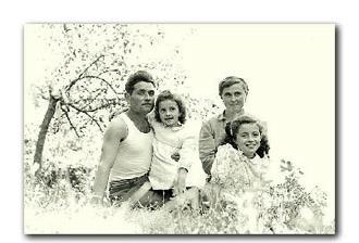 Luigi Galliani e famiglia in una foto d'epoca