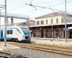 Elettrificazione della ferrovia: aperto il cantiere sulla Alba-Bra