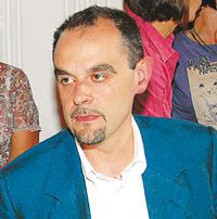 Luca Magliano presiede la Commissione Statuto e regolamenti.