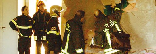 Il 22 novembre del 2008 il crollo di una controsoffittatura nel liceo scientifico Darwin di Rivoli, in provincia di Torino, provocò la morte dello studente di 17 anni Vito Scafidi