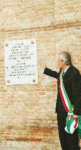 Sindaco Bartolomeo Borgogno e targa dedicata a Cavour