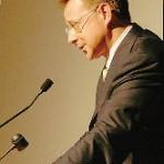Rossetto contro tutti: «Statistiche farlocche e politica al fallimento»