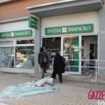 Alba: fanno esplodere la banca e rapinano 50 mila euro