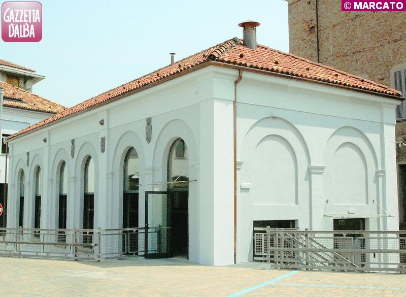 Il nuovo sportello per le prenotazioni in via Vida ad Alba
