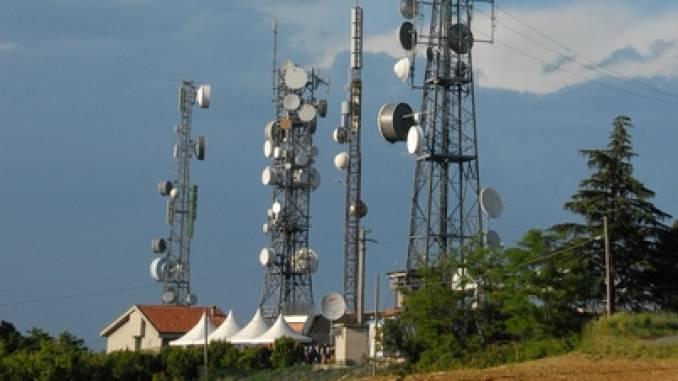 Corecom: a Guarene, La Morra e Rodello ripetitori con emissioni oltre i limiti