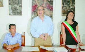 Vittorio Sgarbi ha ricevuto l'incarico di assessore sabato scorso, nella sala consiliare del municipio.