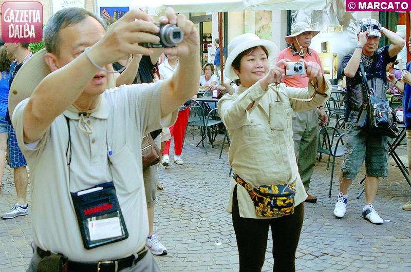 turisti ad alba 2