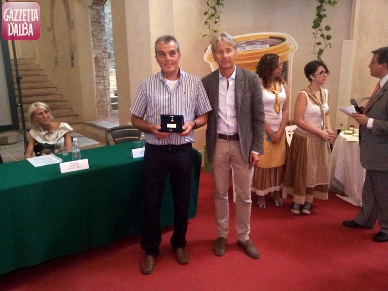 Giorgio Cristino vincitore Premio Novi 2012 con imprenditore Pier Giorgio Mollea2