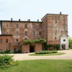 Preziose tavole imbandite, a ottobre, nel castello di Pralormo