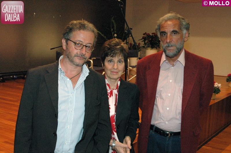 """Da sinistra: Diego De Silva, Fausta Garavini e Michele Mari alla premiazione del concorso """"Carlo Cocito"""""""