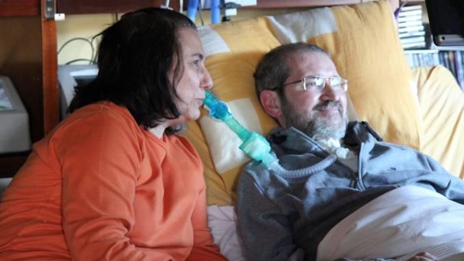 L'ultimo saluto al medico che lottò per difendere i diritti dei malati di Sla