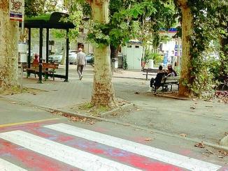 Bra: un solo passaggio pedonale a forma di Z davanti alla stazione ferroviaria