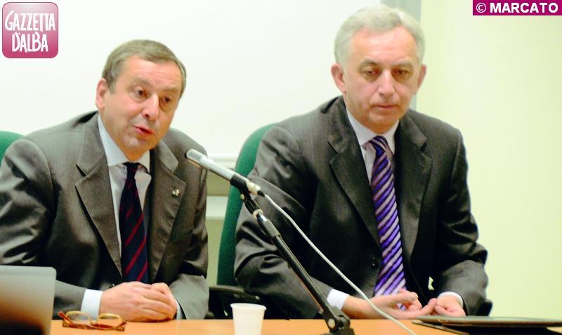 Il ministro dell'istruzione Francesco Profumo con il presidente della fondazione Cassa di risparmio di Cuneo Ezio Falco