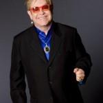 Elton John malato: il concerto di Barolo vicino all'annullamento