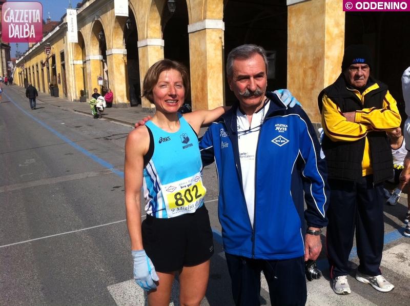 nove miglia Bra La vincitrice col presidente atletica bra martinengo