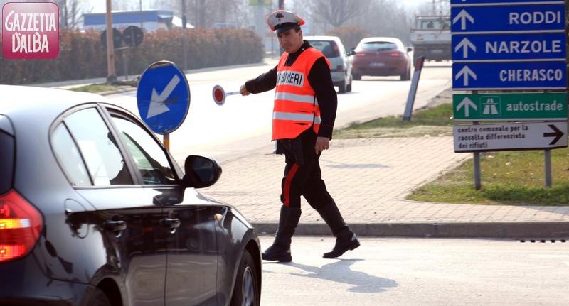 controllo_auto_carabinieri2