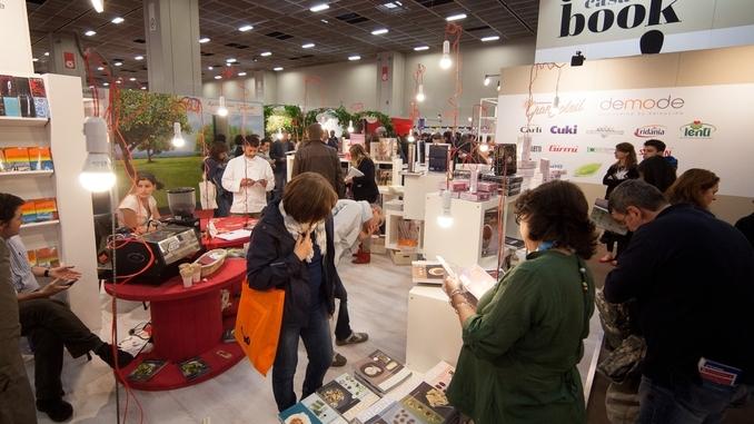 Salone Libro, avvisi di garanzia per Fassino e Parigi