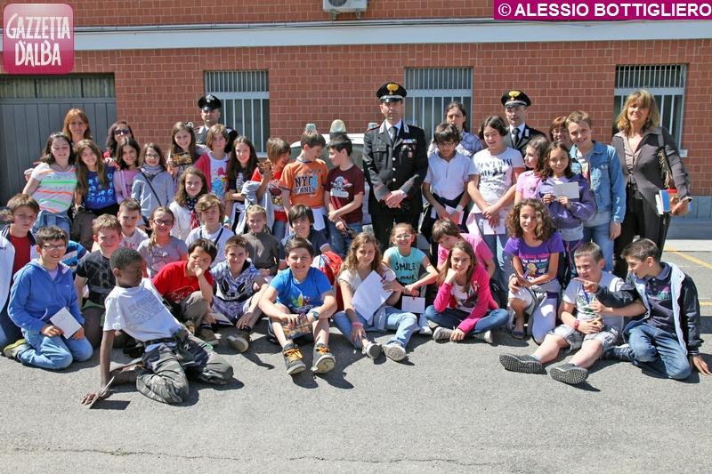 scolaresche_visita_caserma_carabinieri