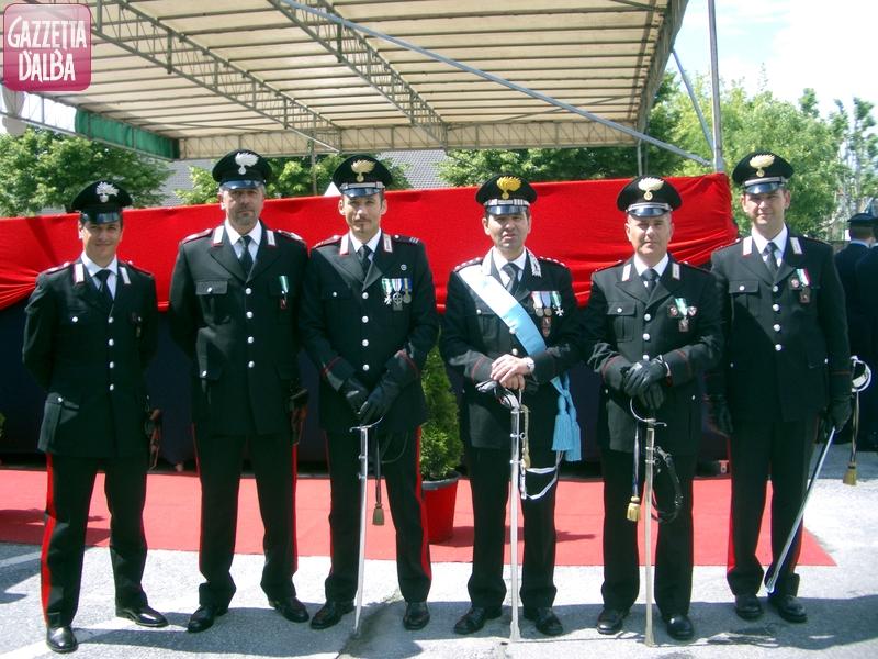 FOTO CARABINIERI DI ALBA PREMIATI A 199 ANNUALE FONDAZIONE DELL'ARMA A CUNEO