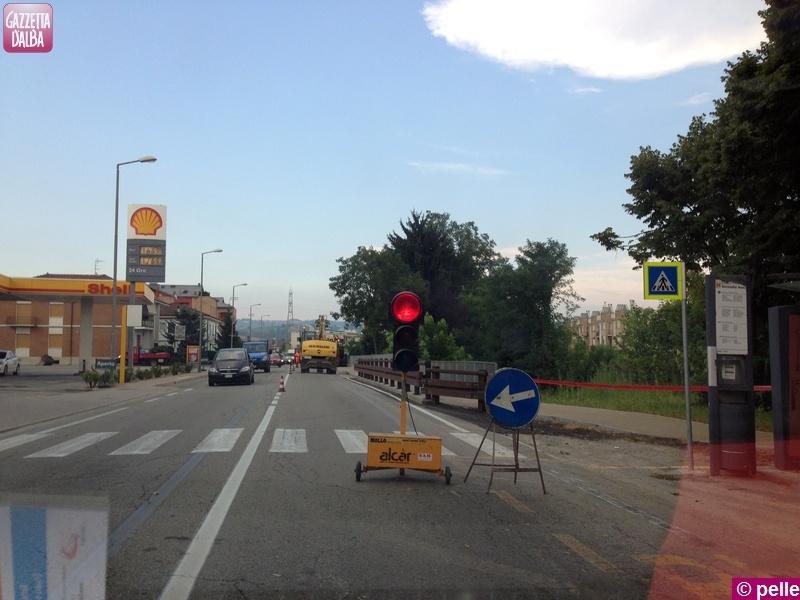 asfaltatura_pista_ciclabile_corso_canale_2013a