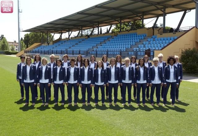 nazionale_calcio_femminile_veste_motivi