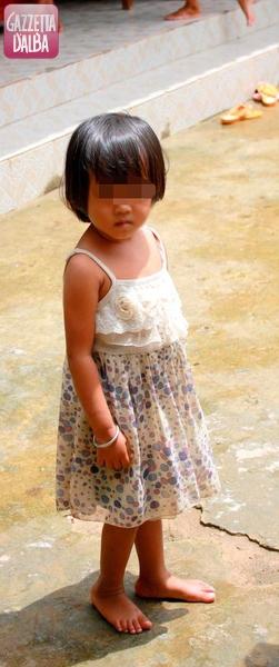 reportage-cambogia-bambina