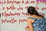 si fa un murales con una poesia di Erri De Luca