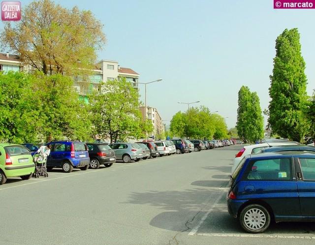 alba parcheggio piazza giovannoni