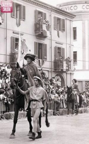 michele-guida-palio-alba-1968b