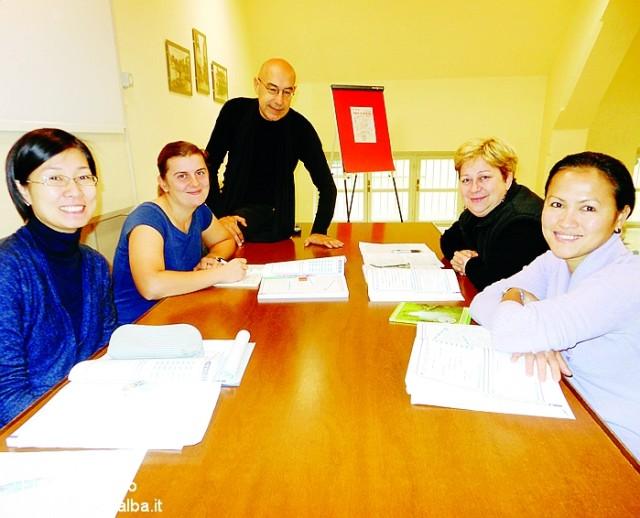 Alcune partecipanti ai corsi col docente Walter Magarotto.
