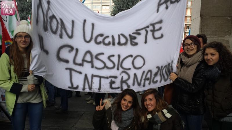protesta-settimana-corta-studenti-govone-alba-novembre2013 (1)