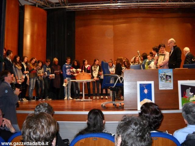 premiazione-studenti-einaudi-alba-novembre2013