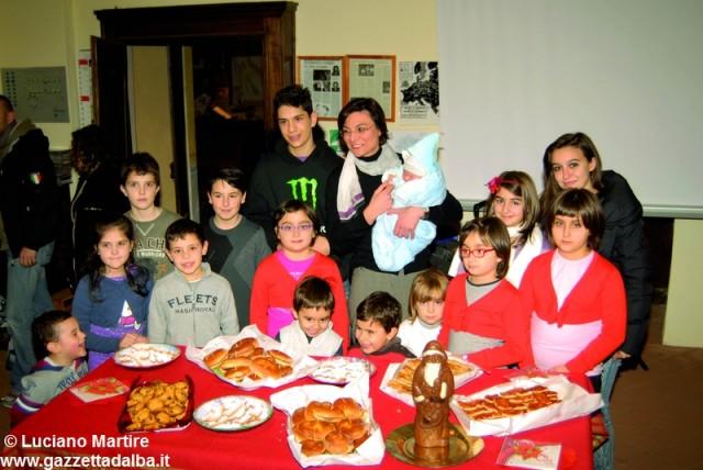 famiglie-carabinieri-alba-visita-presepi-dicembre2013