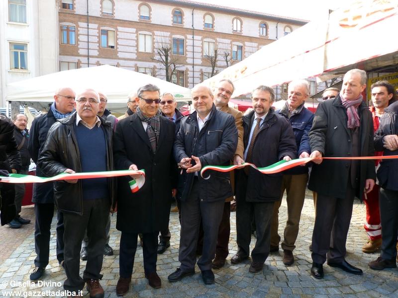 inaugurazione-mercato-piazza-san-paolo-alba