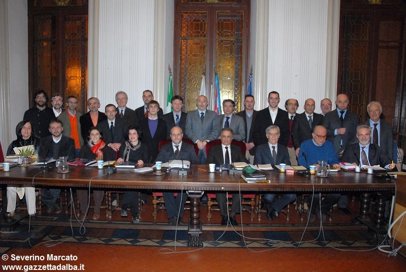 primo-consiglio-comunale-amministrazione-maurizio-marello-alba-2009