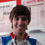 Giro d'Italia, Diego Rosa 16° sotto la pioggia di Bari