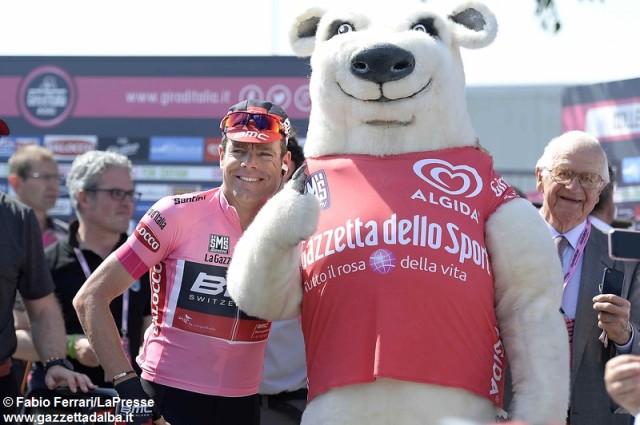 evans-mascotte-giro-ciclismo-maggio2014