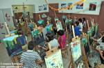 Il laboratorio di pittura della scuola Montessori di Alba.