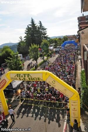 partenza-gf-alta-langa-ciclismo-agosto2014