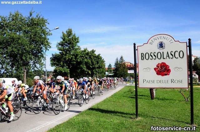passaggio-bossolasco-gf-alta-langa-ciclismo-agosto2014