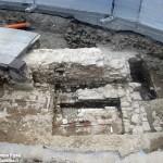 Alba, scoperte mura medievali in piazza Mons. Grassi