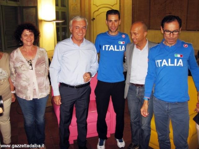 da sinistra Angela Prestianni, Claudio Bogetti, Vincenzo Nibali, Massimo Rosso e Davide Cassani