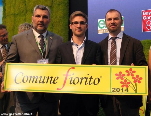 Nella foto, da sinistra: Renzo Marconi, presidente di Asproflor; Alberto Gatto, assessore ai lavori pubblici del Comune di Alba; Flavio Porro dell'Ufficio tecnico del Comune di Alba.