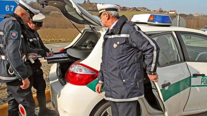 Alba assume un vigile urbano, al concorso partecipano in 86