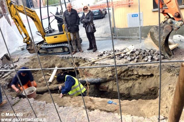 reperti-archeologici-via-ospedale-alba-novembre2014