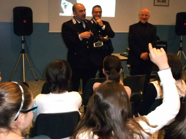 carabinieri in classe