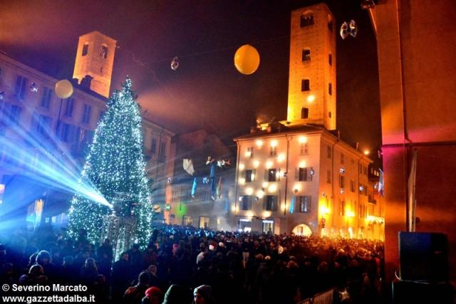 fine-anno-2014-piazza-duomo-alba (23)