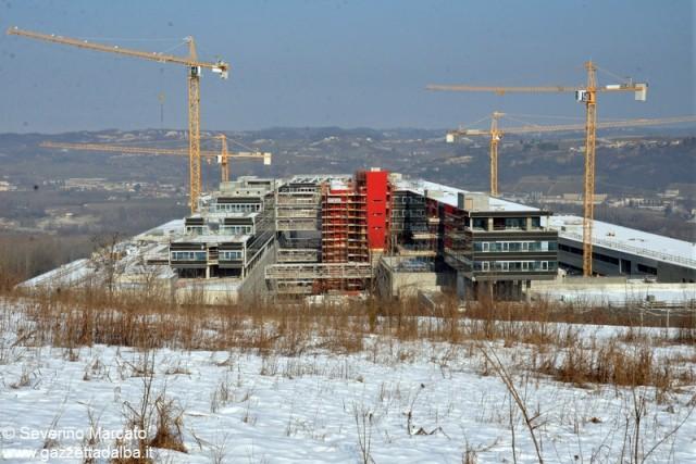 Il cantiere del nuovo ospedale fotografato il 12 febbraio 2015